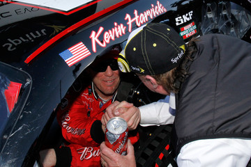 Kevin Wins #16! 2011 Goody's Fast Relief 500 Martinsville Cup Race