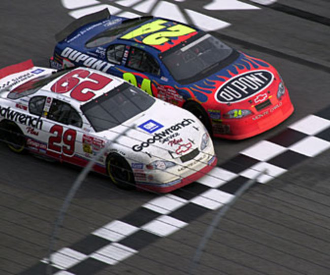 harvick-2001-Atlanta-beats-gordon-to-lin