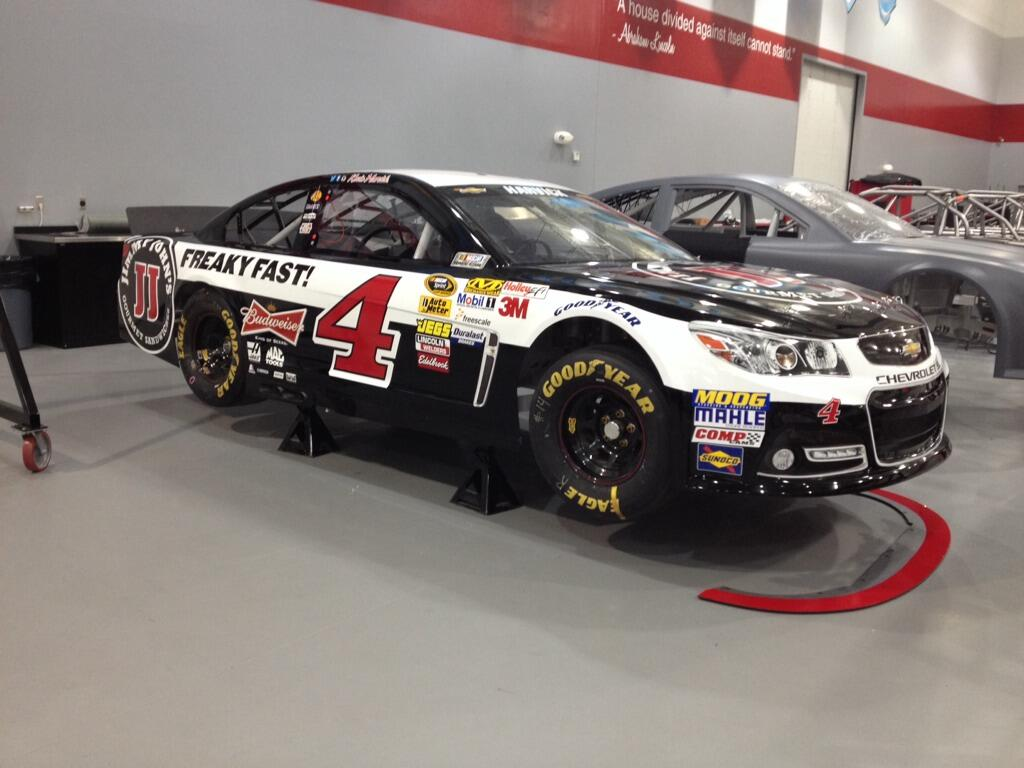 New pics from Rodney for the Harvick team